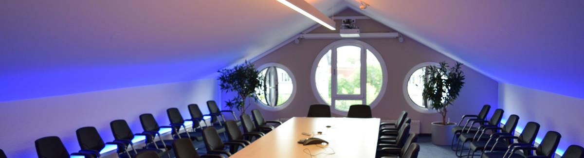 Hellmeier Elektrotechnik GmbH: Beleuchtung Besprechungsraum